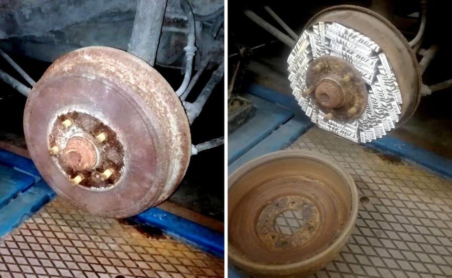 Kierowca zdemontował część układu hamulcowego tylnej osi, aby w dwóch bębnach hamulcowych ukryć blisko 80 paczek papierosów