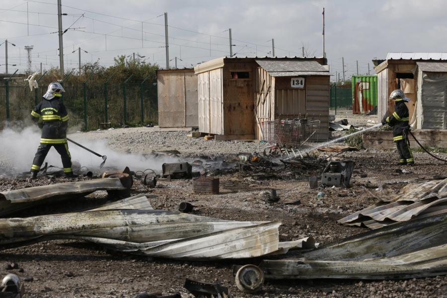 We Francji ewakuowano obóz Grande-Synthe