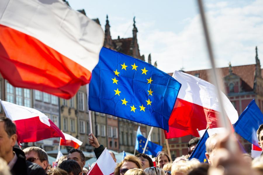 Polska i UE flagi