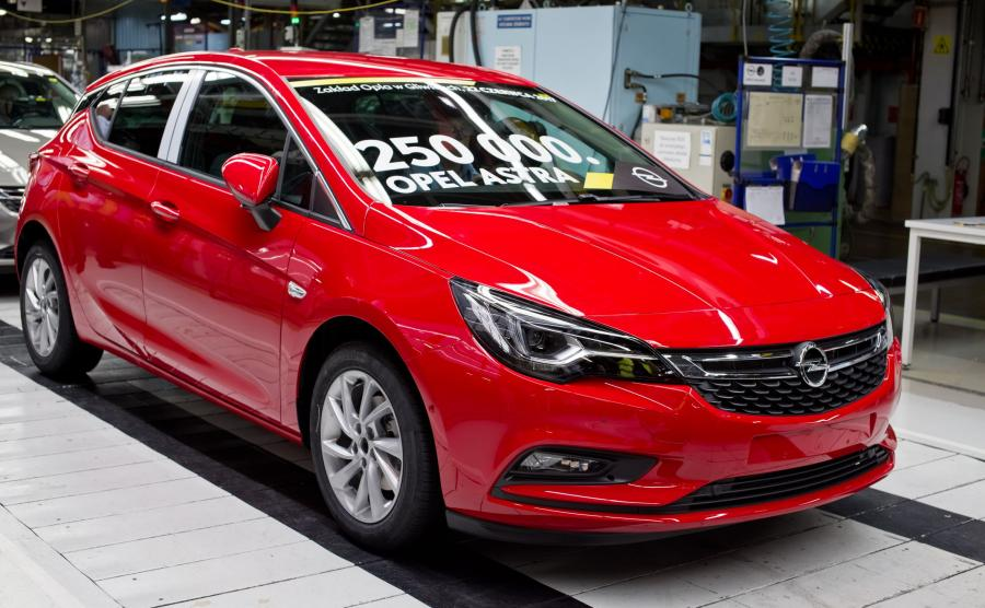 Opel astra 5d numer 250 000