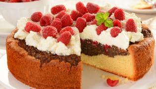 Ciasto makowe z malinami
