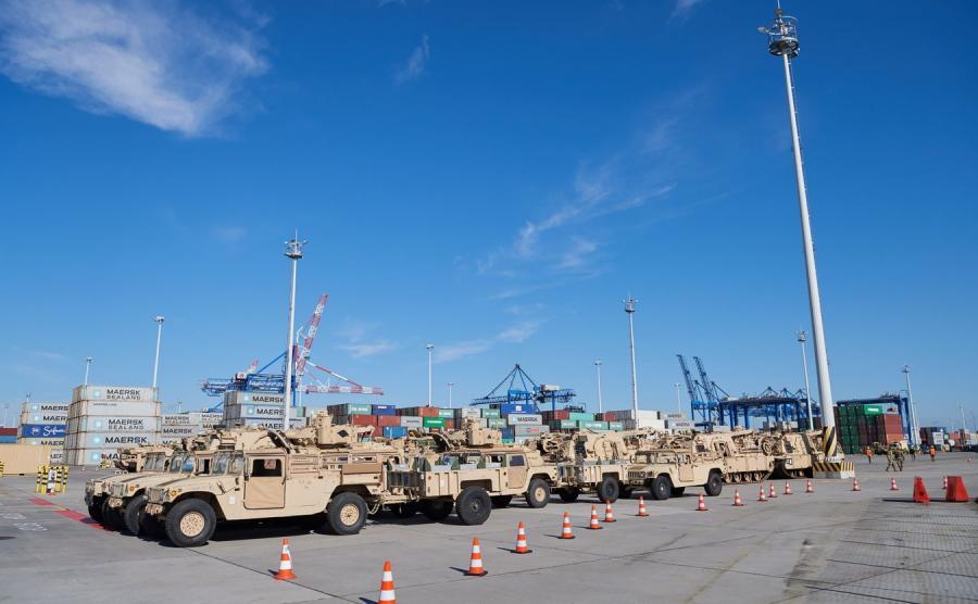 Amerykański sprzęt przypłynął do Gdańska