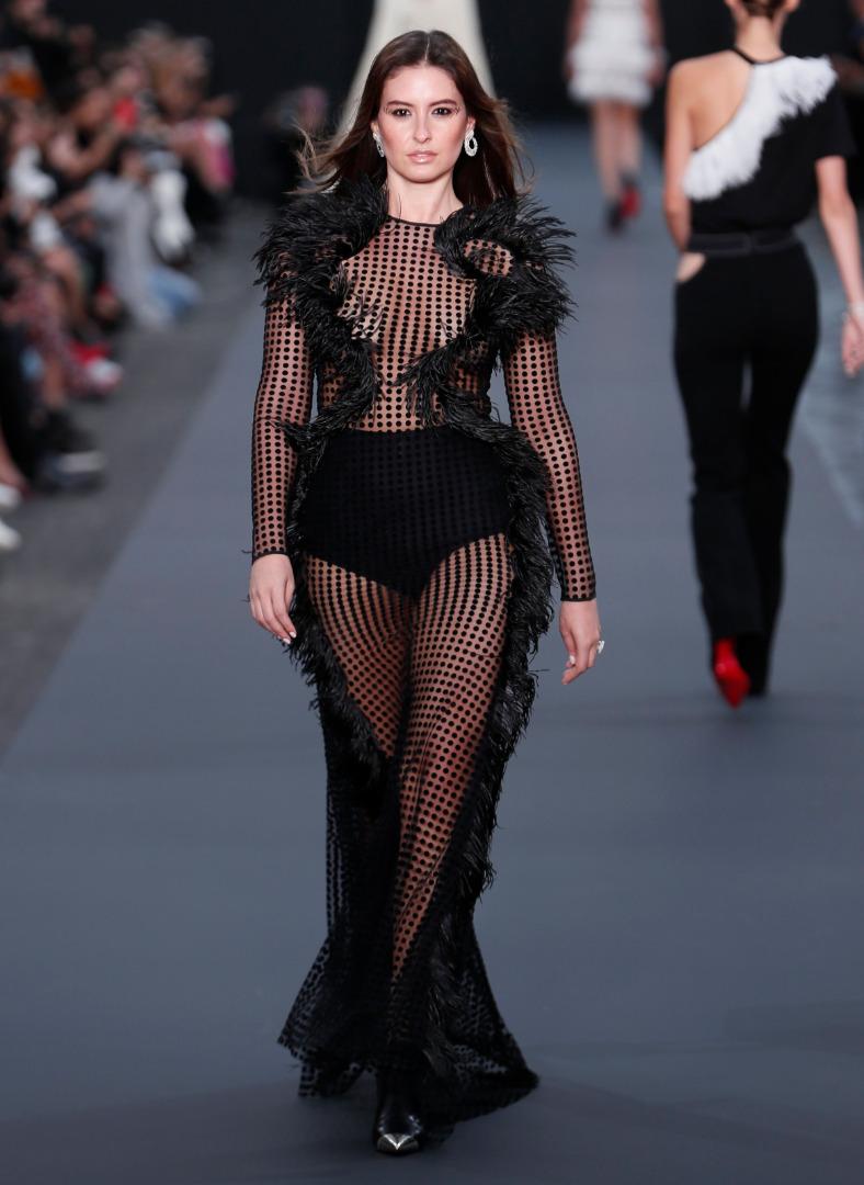 Pokaz mody zorganizowany przez L'Oreal