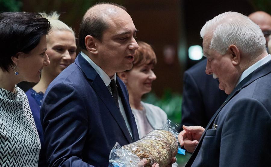 Basil Kerski na urodzinach Lecha Wałęsy