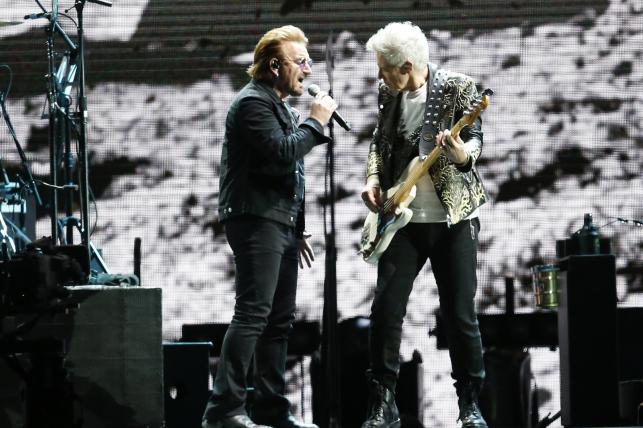 "U2 podczas trasy ""The Joshua Tree 2017"" - koncert w Santiago de Chile 14.10.2017"