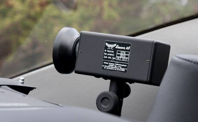 Kamera w policyjnym radiowozie