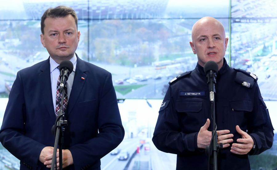 Minister spraw wewnętrznych i administracji Mariusz Błaszczak (L) oraz komendant główny policji nadinsp. Jarosław Szymczyk (P)