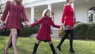 Tiffany Trump i Ivanka Trump z córką Arabellą