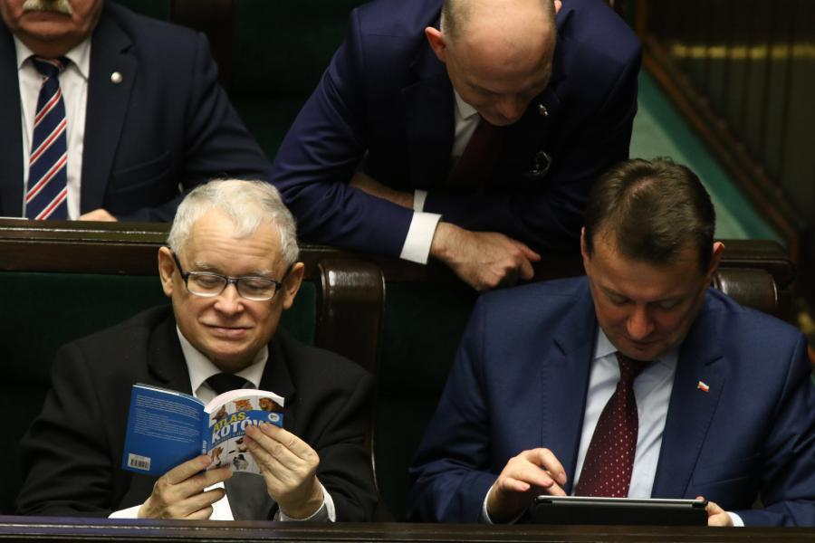 Jarosław Kaczyński z Atlasem Kotów