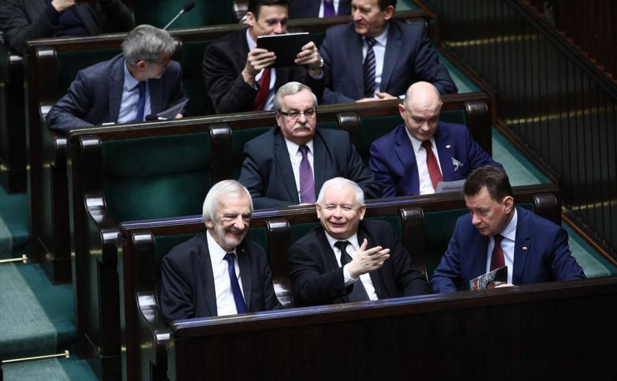 Jarosław Kaczyński i politycy PiS w Sejmie