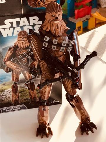Zestaw Lego z Chewbaccą.
