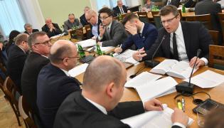 Posiedzenie senackiej komisji