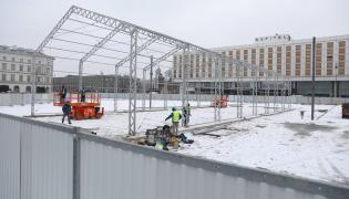 Budowa pomnika ofiar katastrofy smoleńskiej na Placu Piłsudskiego