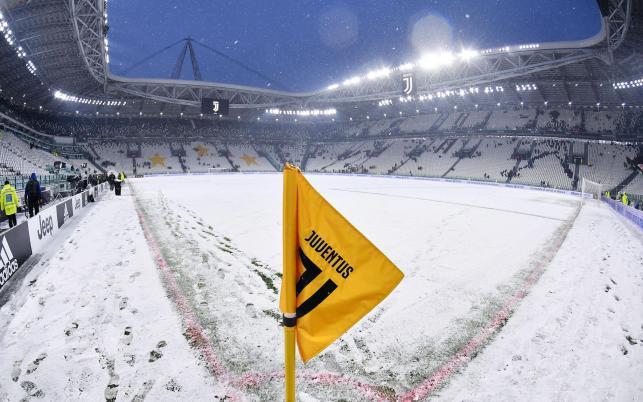 Z powodu obfitych opadów śniegu nie odbył się mecz między Juventusem Turyn a Atalantą Bergamo