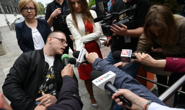 Europosła PO strażnik pomylił z protestującymi.