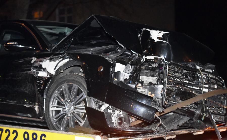 Rozbite rządowe Audi