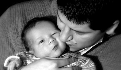 Ojcowie mogą się nauczyć się opieki nad niemowlęciem na warsztatach