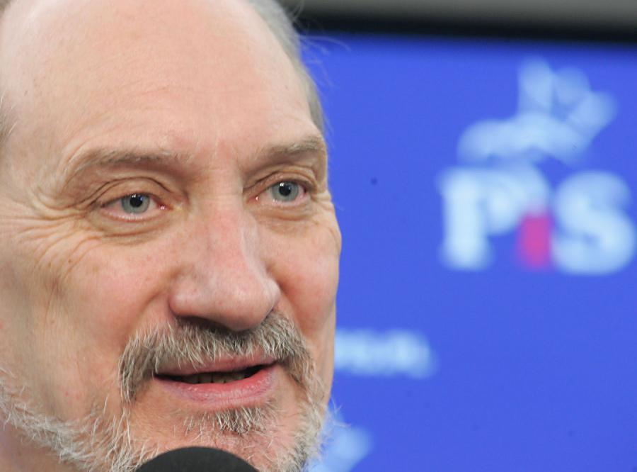 Macierewicz nadal chce do komisji śledczej