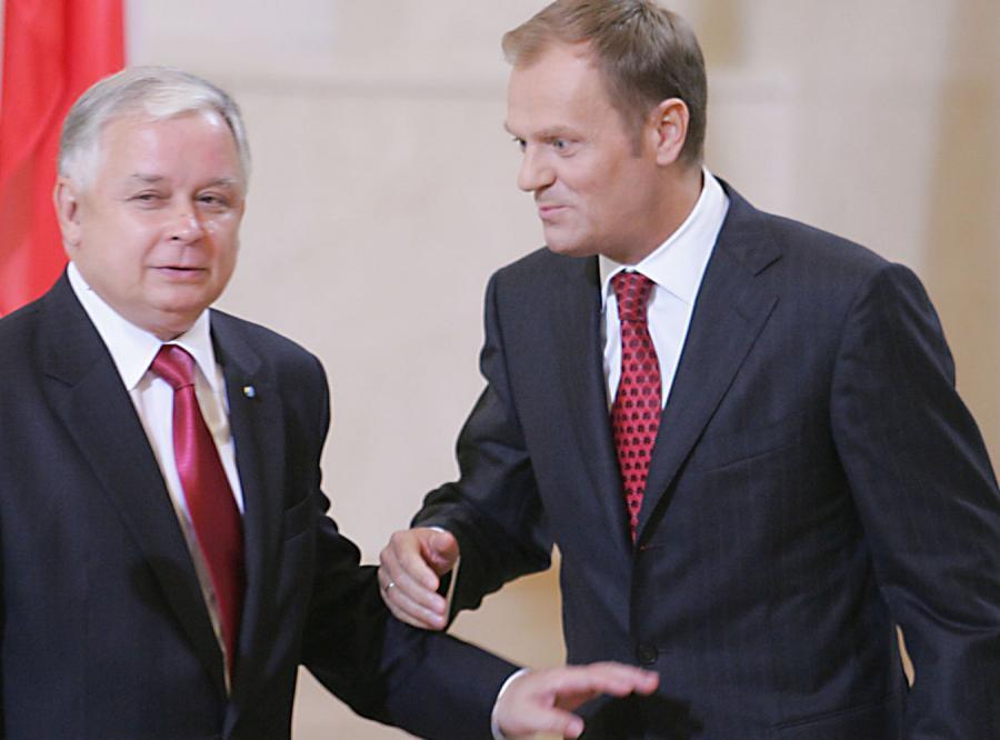 Prezydent i premier nie polecą razem na szczyt