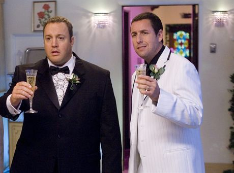 (L-R) KEVIN JAMES and ADAM SANDLER star in the comedy I Now Pronounce You Chuck and Larry. PANSTWO MLODZI: CHUCK I LARRYFOT. UIP