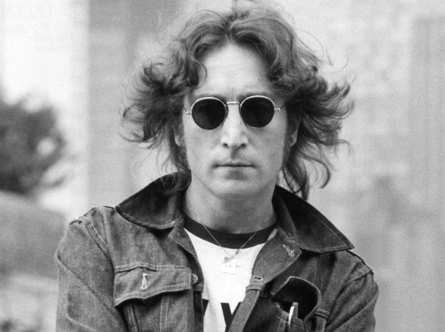 Muzycy ofiarami morderców: John Lennon