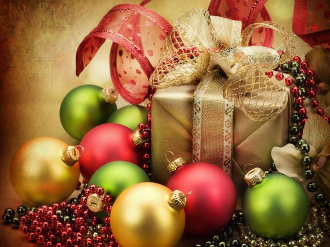 Sztuka pakowania prezentów. Zobacz, jak to się robi. ZDJĘCIA