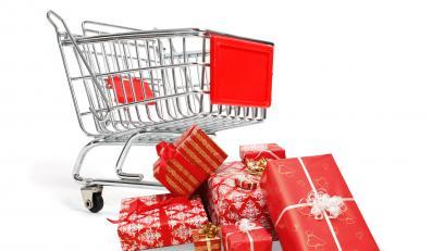 Polacy rzucili się na zakupy, choć bezrobocie rośnie
