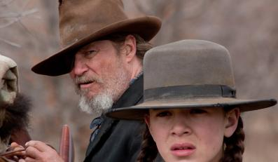 "Jeff Bridges i Hailee Steinfeld w filmie ""True Grit"" (""Prawdziwe męstwo"")"