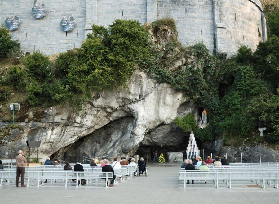 Zamykają grotę w Lourdes. Grozi jej zawalenie