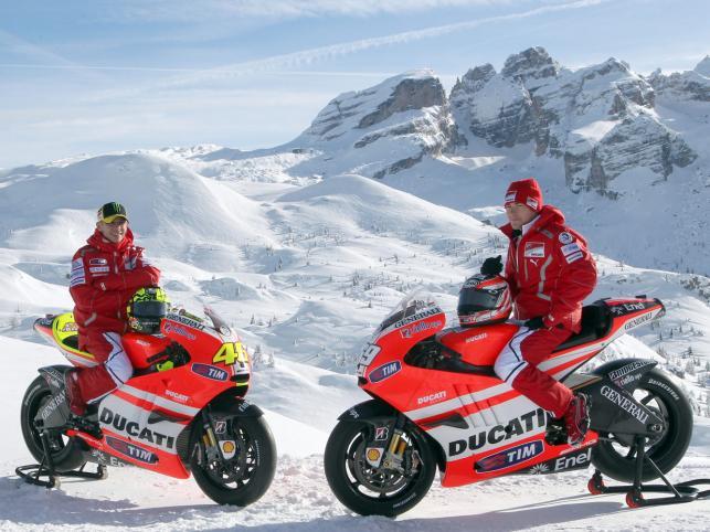 Valentino Rossi i Nicky Hayden, czyli nowy duet który będzie ścigał się dla Ducati w Moto GP w 2011 roku