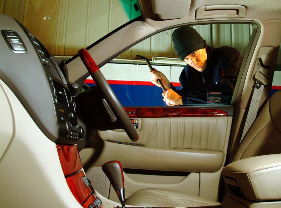 Policja podsumowała 2011 rok pod względem kradzieży samochodów