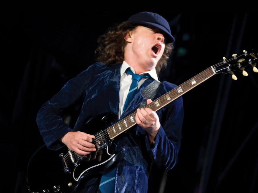 Angus Young: Zaczęliśmy od płyt i pozostaniemy przy płytach