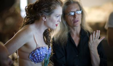 Annie Leibovitz z Julianne Moore na planie