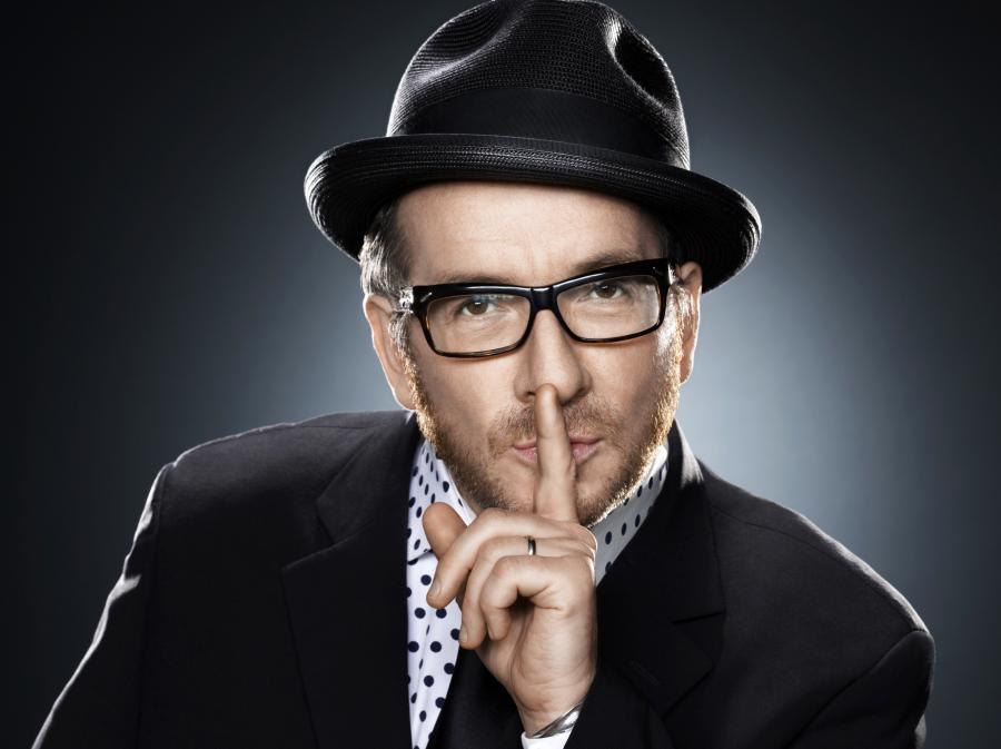 Elvis Costello wystąpi w Warszawie