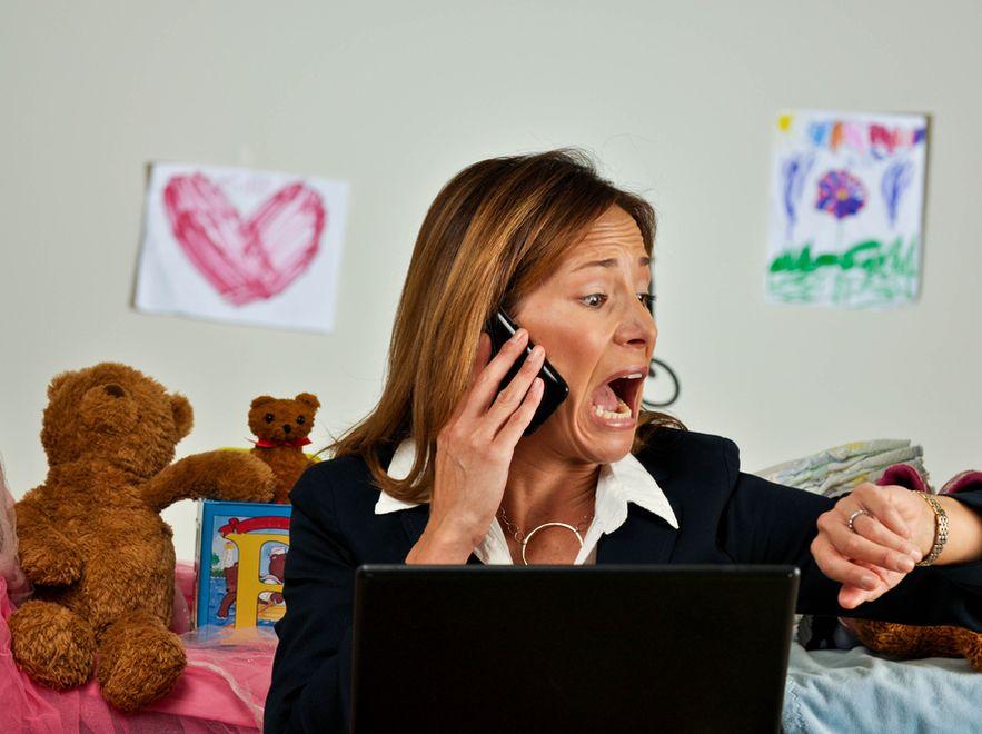 Ponad 80 proc. mam spotkało się z krytyką i negatywnymi opiniami dotyczącymi ich metod opieki nad dzieckiem