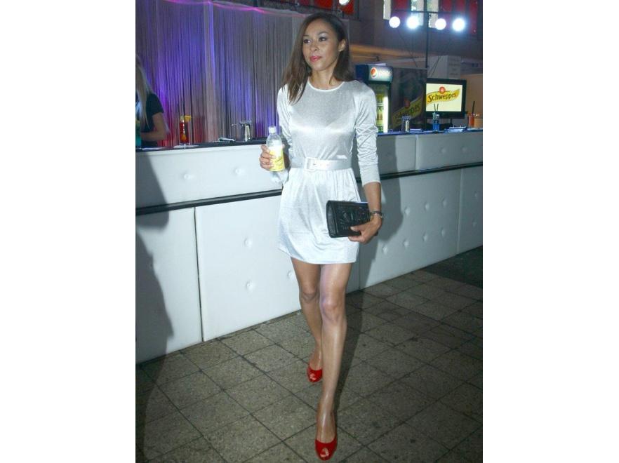 Omena Mensah w mini na Fashion Designer Awards 2011