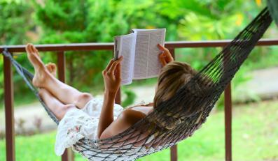 W czasie upałów należy unikać zbędnego wysiłku, a jeśli się nie da, to często odpoczywać w cieniu