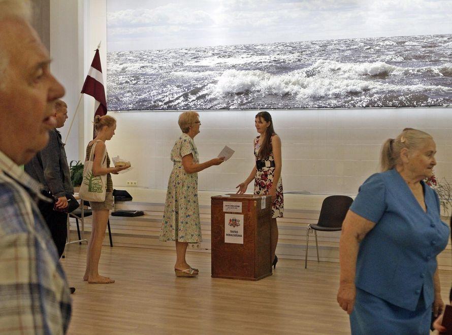 Ponad 94 proc. Łotyszy za rozwiązaniem parlamentu