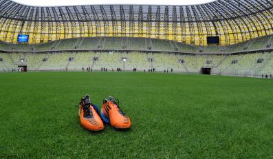Stadiony budowane na Euro 2012 przyciągają biznes wart miliony