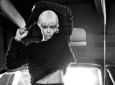Rihanna w kampanii Emporio Armani