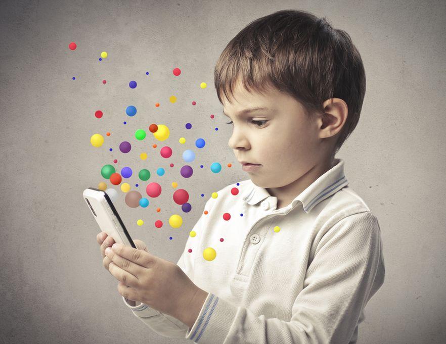 Eksperci alarmują: komórki i WiFi niebezpieczne dla dzieci