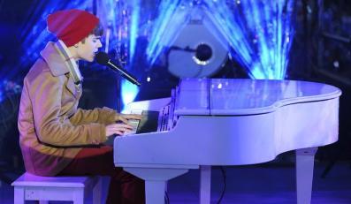 """Justin Bieber śpiewa """"Let It Be"""""""