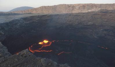 Erta Ale, najbardziej aktywny wulkan w Etiopii, groźnie mruczy