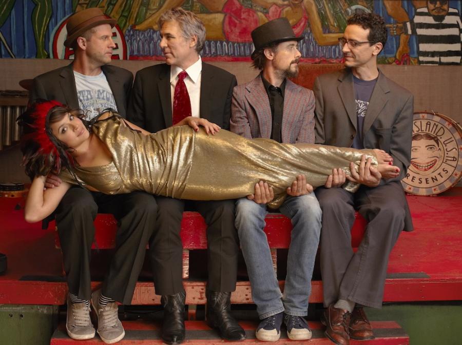 Norah Jones na dobre z The Little Willies