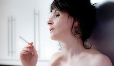 """Juliette Binoche w """"Sponsoringu"""" / foto Marion Stalens"""