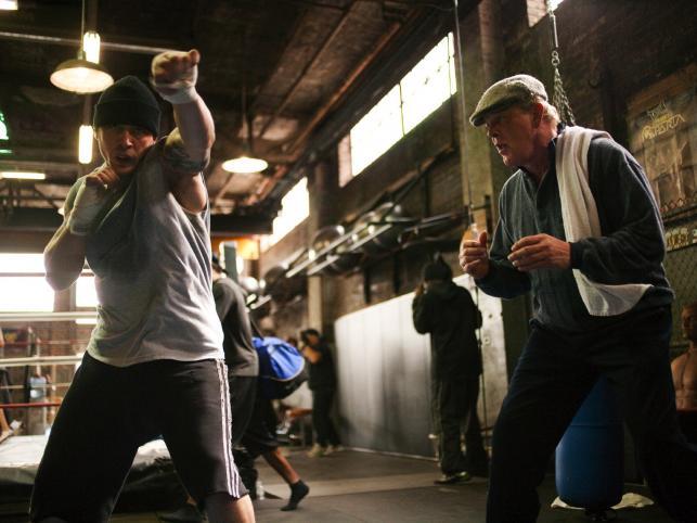 Nick Nolte zagrał Paddy'egp – niegdyś znakomitego trenera, dzisiaj alkoholika z wysługą lat