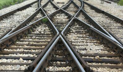 Tory kolejowe -zdjęcie ilustracyjne