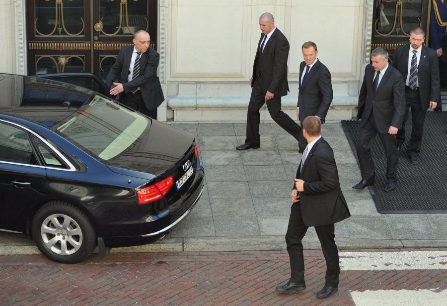 Kolumna aut premiera liczy cztery auta, jednak Donald Tusk ograniczył ją do dwóch