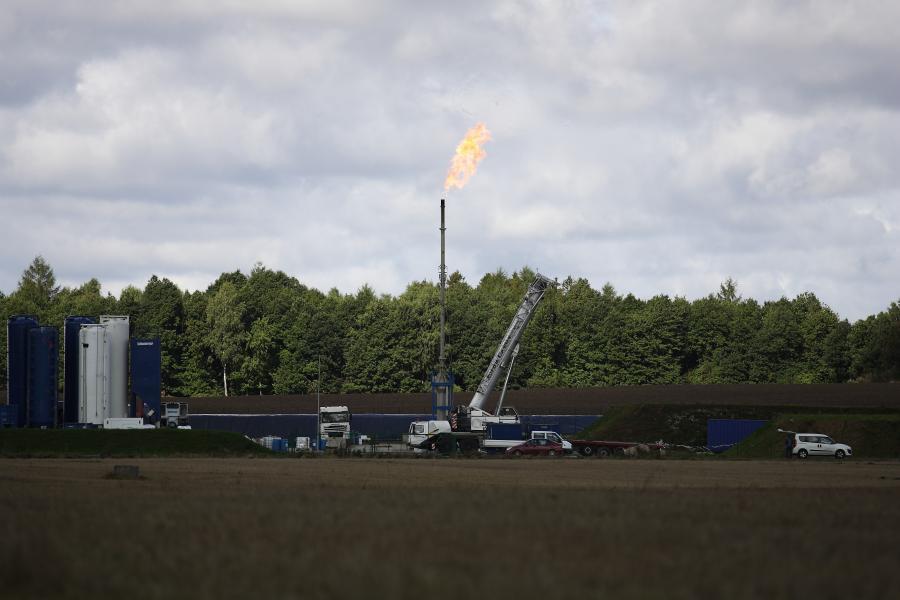 Gaz łupkowy: koncerny wstrzymują wiercenia