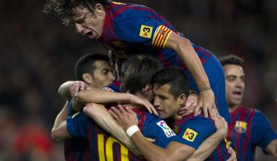 Piłkarze Barcelony cieszą się z bramki strzelonej przez Lionela Messiego w meczu przeciwko Getafe